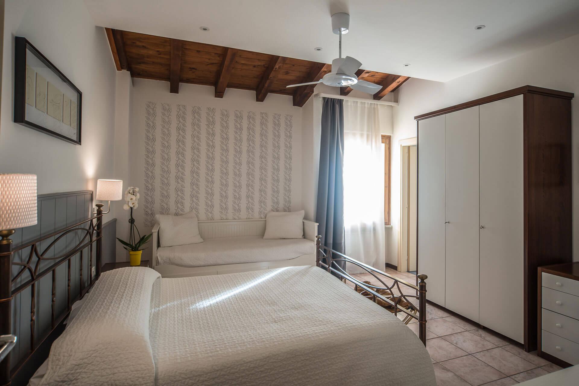 reservations Reservations camere hotel la sosta nozza brescia